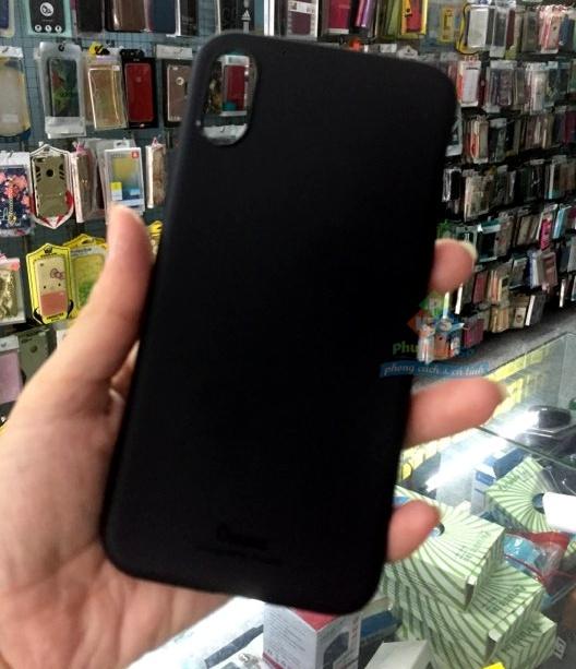 Ốp lưng iPhone X dẻo đen VU