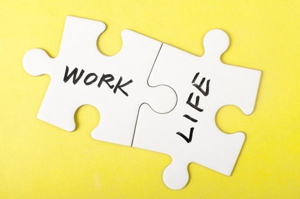 Sống cho hiện tại, làm việc cho tương lai