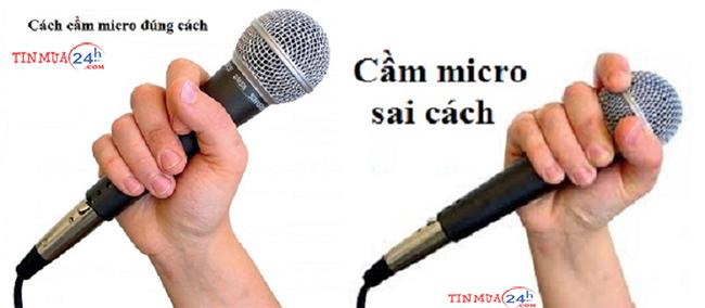 Cầm micro đúng cách