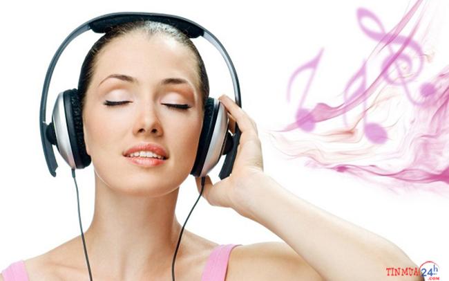 Có nên đeo tai nghe thường xuyên không ?
