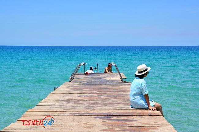 Cây cầu hạnh phúc tại biển Kỳ Co Quy Nhơn