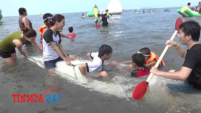Tắm biển Hà Tiên