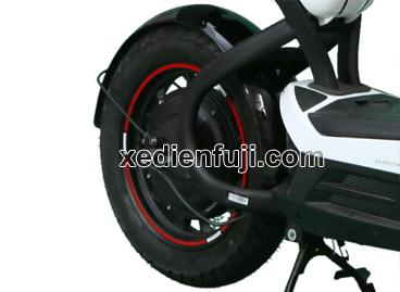 Xe máy điện Giant M133S Sport