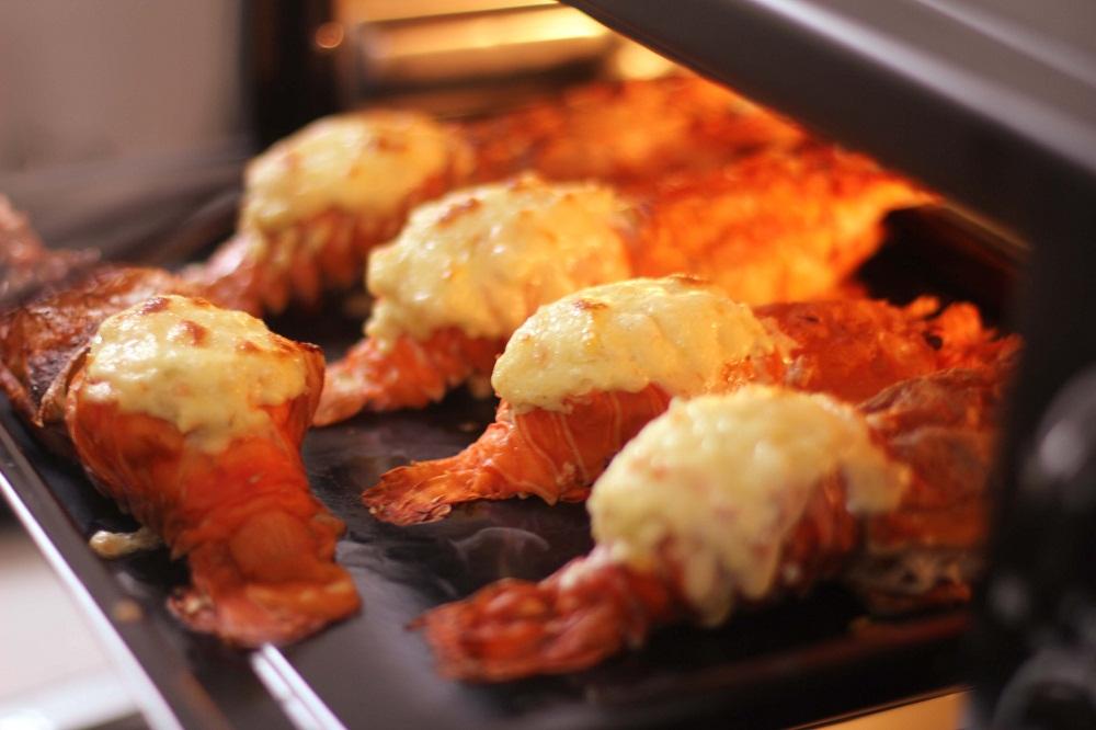 cách chế biến tôm hùm nướng phô mai