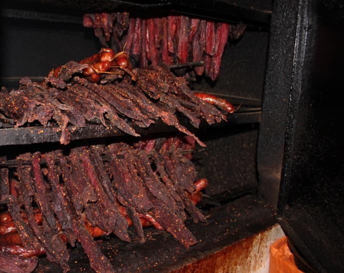 Cách làm thịt trâu gác bếp tại nhà 2