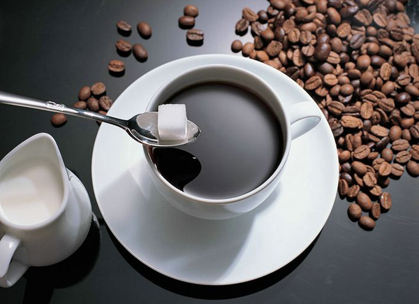 dùng cafe sau khi uống thuốc rất không tốt