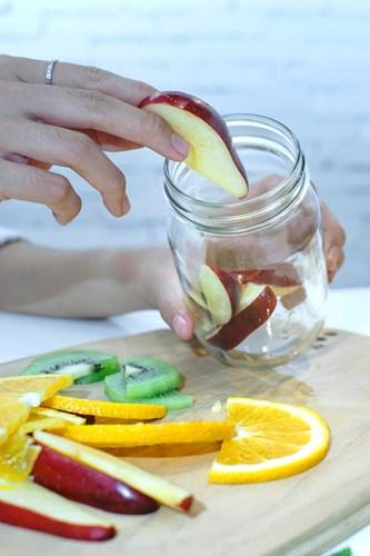 detox táo, kiwi và chanh tây
