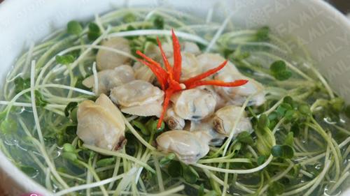rau cải mầm nấu nghêu