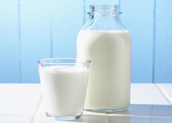 Cũng không nên uống sữa sau khi uống thuốc