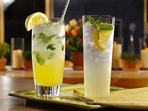 một ly nước chanh ấm sẽ đánh tan sự uể oải, mệt mỏi sau Tết