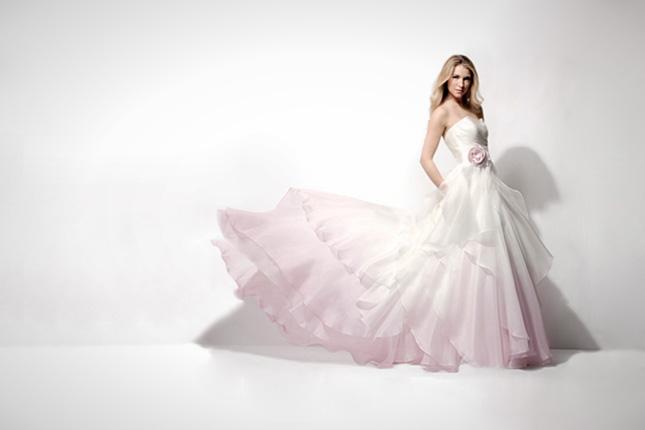 Hấp dẫn cô dâu với váy cưới ombre