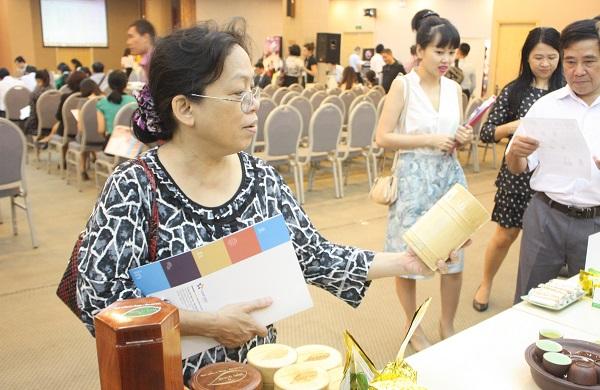 tiệc trà tại hội thảo