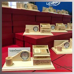 Bộ lịch gỗ để bàn độc đáo - Khách hàng ILTech