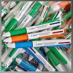 Bút Bi Nhựa 4 màu In Quảng Cáo - KH Viện Quản Trị kinh Doanh