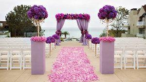 Cổng hoa rực rỡ