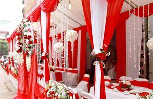 Nhà bạt cưới hỏi tông đỏ