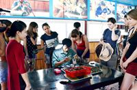 Phát triển bền vững nghề nuôi trai lấy ngọc ở Hạ Long