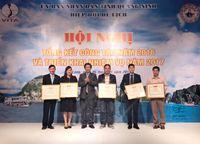 Hiệp hội Du lịch Việt Nam tặng Giấy khen cho Công ty Cổ phần Ngọc trai Hạ Long và Giám đốc Nguyễn Thùy Hương