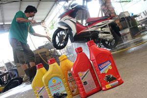 Nhận biết dầu nhờn giả bằng mùi