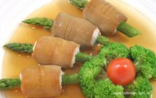 Bào ngư cuốn tôm măng tây (Đặt trước)