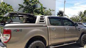 Nắp Thùng Xe Bán Tải Thấp Ford Ranger Mang Cá