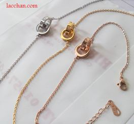 Lắc tay nữ cartier