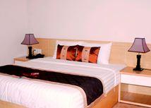 Grap giường khách sạn 03