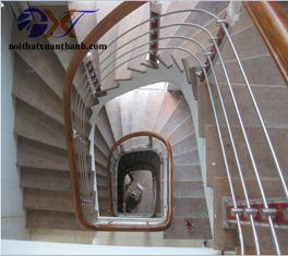 Cầu thang inox 18