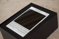 BLACKBERRY PASSPORT NEW
