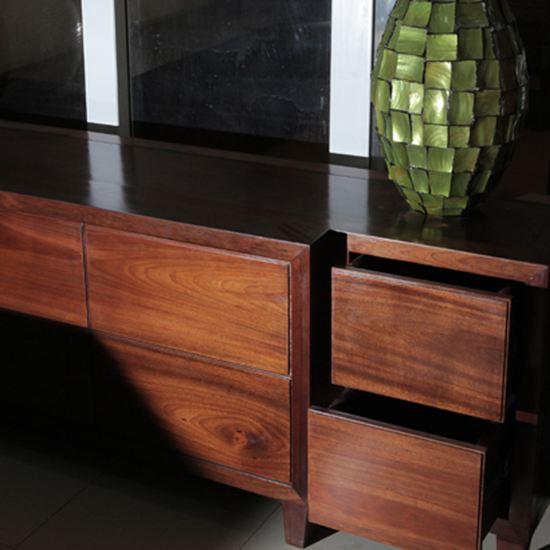 Kệ tivi gỗ tự nhiên - Mẫu KE 04 - Bộ Cát Tường