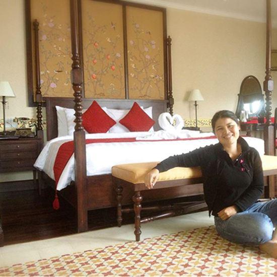 Giường ngủ gỗ tự nhiên -