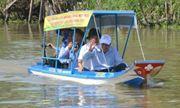 Nông dân Việt chế xuồng năng lượng mặt trời lên báo Anh