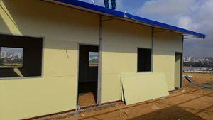 Xây dựng nhà lắp ghép tôn xốp cho công nhân