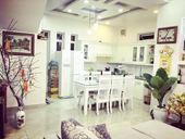 Phòng khách và phòng bếp