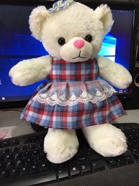 Gấu váy kẻ nhí