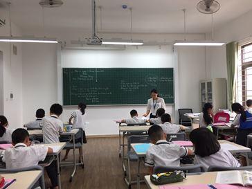 HÌNH ẢNH: LĐ bảng cột cho trường TH Archimedes