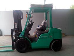 Xe nâng dầu MITSUBISHI  2.5 tấn chui container Hiệu Mitsubishi- NHẬT BẢN