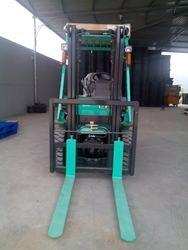 XE NÂNG ĐỘNG CƠ diesel (Diesel Forklift ) 1500 kg, giá rẽ nhất