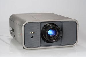 Máy chiếu EIKI LC-X85