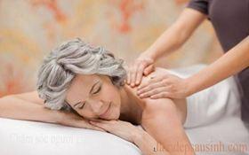 Chăm sóc người cao tuổi - Massage tăng cường sức khỏe cho người già