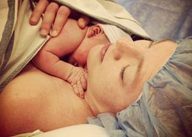 CHĂM SÓC SAU SINH MỔ - Những Việc Mẹ Nên Làm Ngay Sau Sinh Mổ
