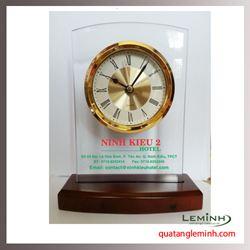 Đồng hồ để bàn Kana 003
