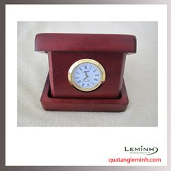 Đồng hồ gỗ để bàn khắc logo - 009