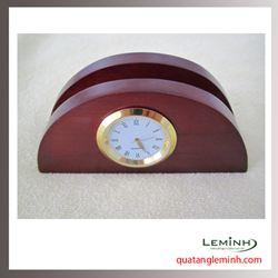 Đồng hồ gỗ để bàn khắc logo - 011