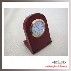 Đồng hồ gỗ để bàn khắc logo - 012