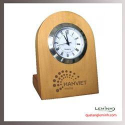 Đồng hồ gỗ để bàn khắc logo - 003