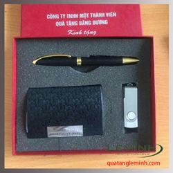 Bộ quà tặng bút ký, hộp đựng namecard, USB 001 - Hàng sẵn