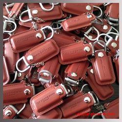 USB Vỏ da cao cấp dập chìm logo - KH TÂN HOÀNG MINH GROUP