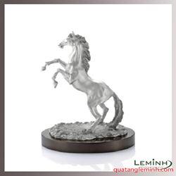 Tượng ngựa tự hào pewter
