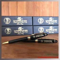 Bộ bút ký kim loại khắc  logo - Kickboxing  Hải Phòng